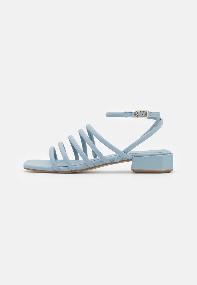 Sandali - edo