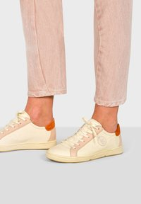 Pataugas - JUNE/N F2F - Trainers - off-white - 0