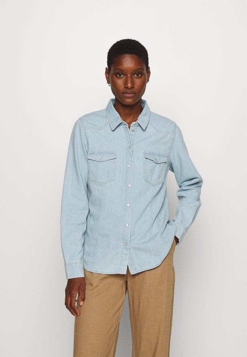 Pieszak - STACY SWAN WASH DALLAS - Skjorte - denim blue