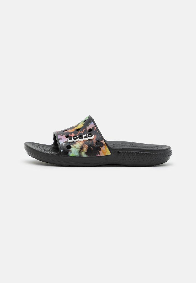 Crocs - CLASSIC TIEDYE GRPHC SLD UNISEX - Pool slides - multicolor/black