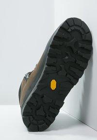 Lowa - TIBET GTX WXL - Mountain shoes - sepia/schwarz - 4