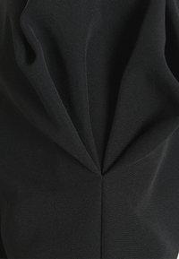 Forever New - WHITNEY WAIST DRESS - Denní šaty - black - 2