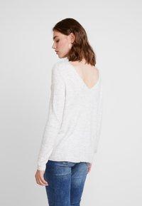 ONLY - ONLJULIE - Jersey de punto - white/black - 2