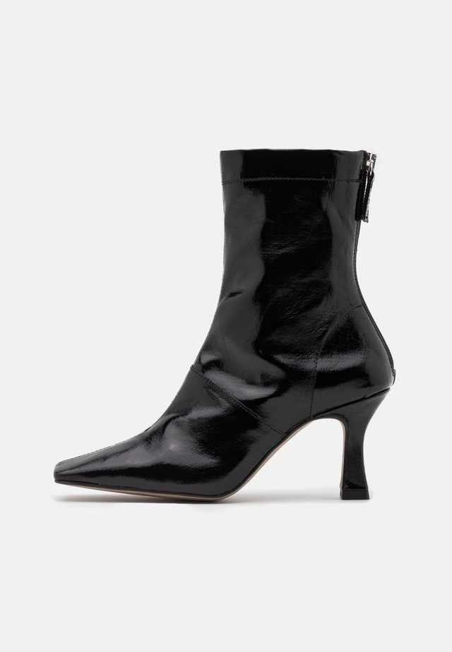 VEGAN VIVA FLARED BOOT - Bottines à talons hauts - black