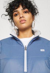 Levi's® - THEA REVERSIBLE  - Winter jacket - white/blue - 4