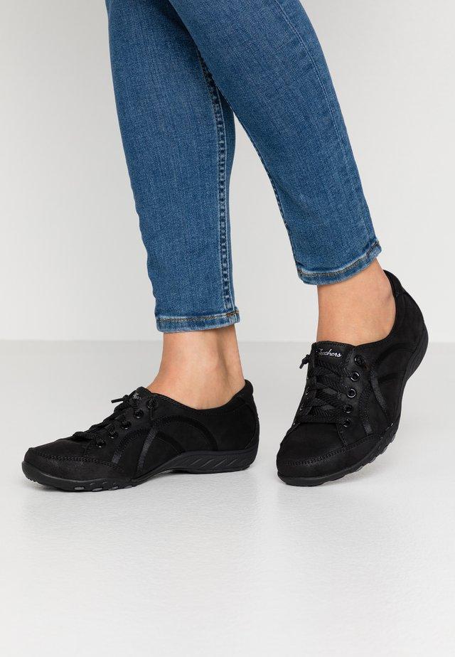 BREATHE EASY - Sneakersy niskie - black