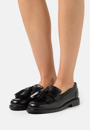 MAGNOLIA - Loaferit/pistokkaat - black