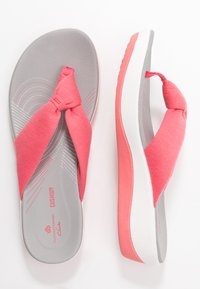 Cloudsteppers by Clarks - ARLA GLISON - T-bar sandals - raspberry - 3