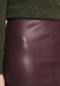 VILA PETITE - VIPEN NEW COATED SKIRT - Pencil skirt - winetasting - 4