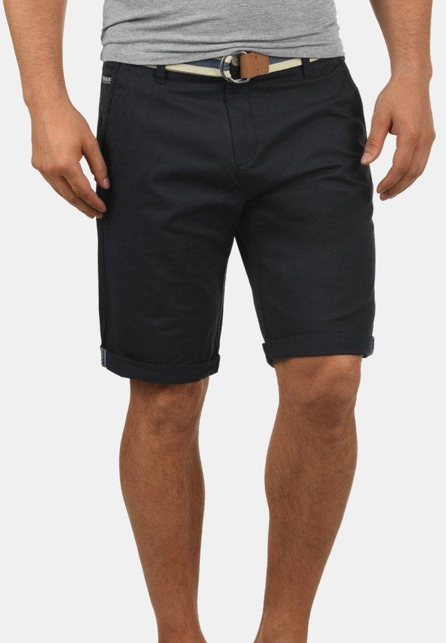 Monty - Shorts - black