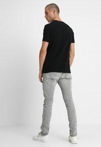 AllSaints - TONIC V-NECK - Basic T-shirt - jet black - 2