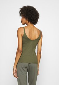 Anna Field - Top - olive night - 2