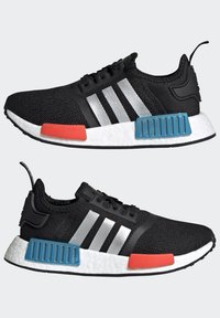 adidas Originals - NMD_R1 SHOES - Trainers - core black/silver metallic/solar red - 7