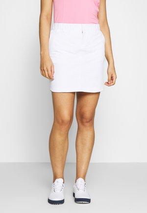 UA LINKS WOVEN SKORT - Sportovní sukně - white/white