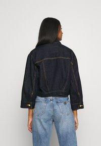 Levi's® - LOOSE SLEEVE TRUCKER - Denim jacket - dark indigo - 2