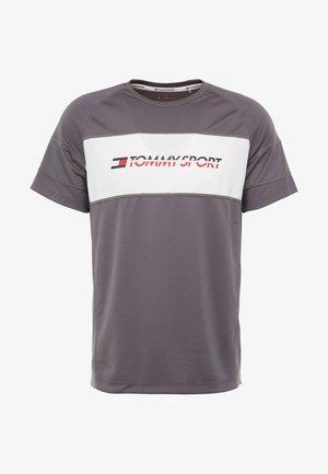 PERFORMANCE TEE - T-shirt z nadrukiem - grey