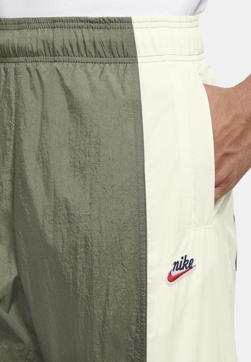 Nike Sportswear Jogginghose - twilight marsh/sail/sequoia/oliv Fx62lv