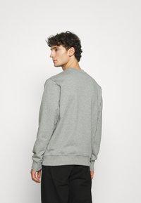 Nike Sportswear - RETRO CREW - Sweatshirt - dark grey heather - 2