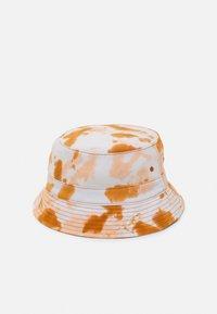Santa Cruz - MUERTE DOT HAT UNISEX - Hatt - orangeish - 1