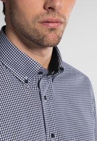 Eterna - REGULAR FIT - Shirt - marine/white - 2