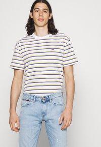 Tommy Jeans - SCANTON SLIM - Slim fit -farkut - denim - 3