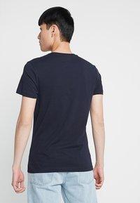 Calvin Klein Jeans - MONOGRAM POCKET SLIM TEE - Print T-shirt - blue - 2