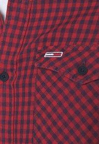 Tommy Jeans - GINGHAM WESTERN - Shirt - deep crimson - 4