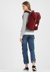 Herschel - RETREAT  - Mochila - bordeaux/marron - 5