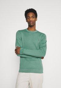 Tommy Hilfiger - ZIG ZAG STRUCTURE - Stickad tröja - glazed green - 0