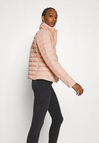 Vila - VISIBIRIA SHORT JACKET - Light jacket - misty rose - 4