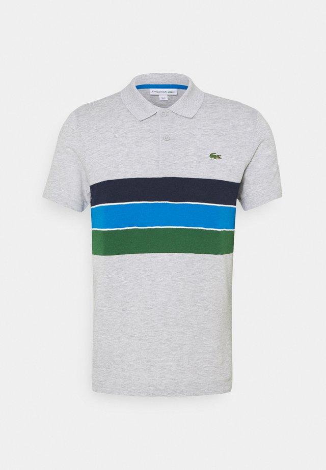 RAINBOW STRIPES - Polo - silver chine/green/navy blue/white