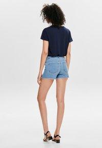 ONLY - AMAZE REG - Szorty jeansowe - light blue denim - 2