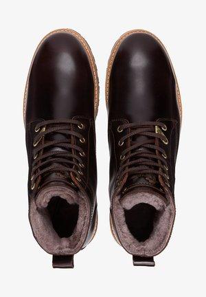 EMERY IGLOO C - Zimní obuv - dunkelbraun