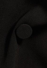 Bershka - MIT HOCHGEROLLTEN ÄRMELN - Blazer - black - 5