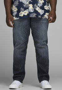 Jack & Jones - PLUS SIZE REGULAR FIT JEANS CLARK ORIGINAL JOS  - Straight leg jeans - blue denim - 0