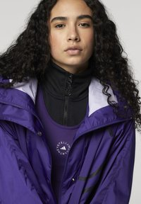 adidas by Stella McCartney - ADIDAS BY STELLA MCCARTNEY TRUEPACE RUN JACKET WIND.R - Training jacket - purple - 4