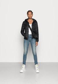 ONLY - ONLTAHOE HOOD JACKET  - Light jacket - black - 1