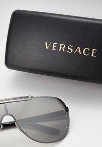 Versace - Lunettes de soleil - silver-coloured - 3