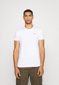 Hollister Co. - SEASONAL CREW 3 PACK  - T-shirt med print - blue - 1