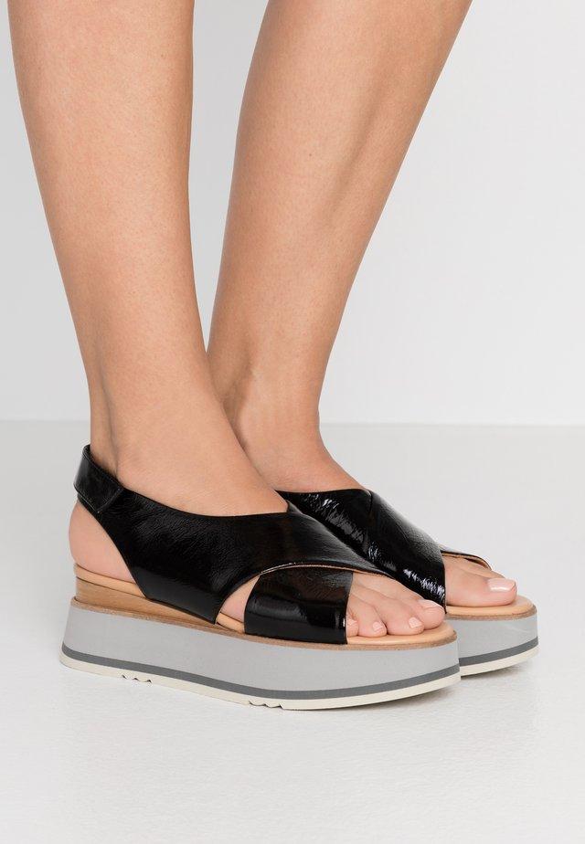 TYLER LORY  - Korkeakorkoiset sandaalit - black