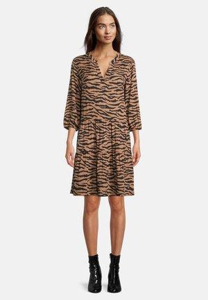 SOMMERKLEID - Day dress - camel/black