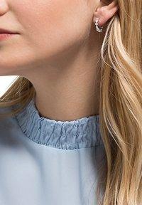 FAVS - DAMEN-OHRSTECKER 925ER SILBER 10 ZIRKONIA - Earrings - silber - 0