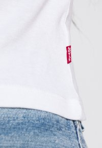 Levi's® - GRAPHIC BABY TANK - Topper - white - 5