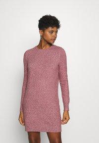 Vero Moda - VMDOFFY O-NECK DRESS - Pletené šaty - cabernet/black melange - 0