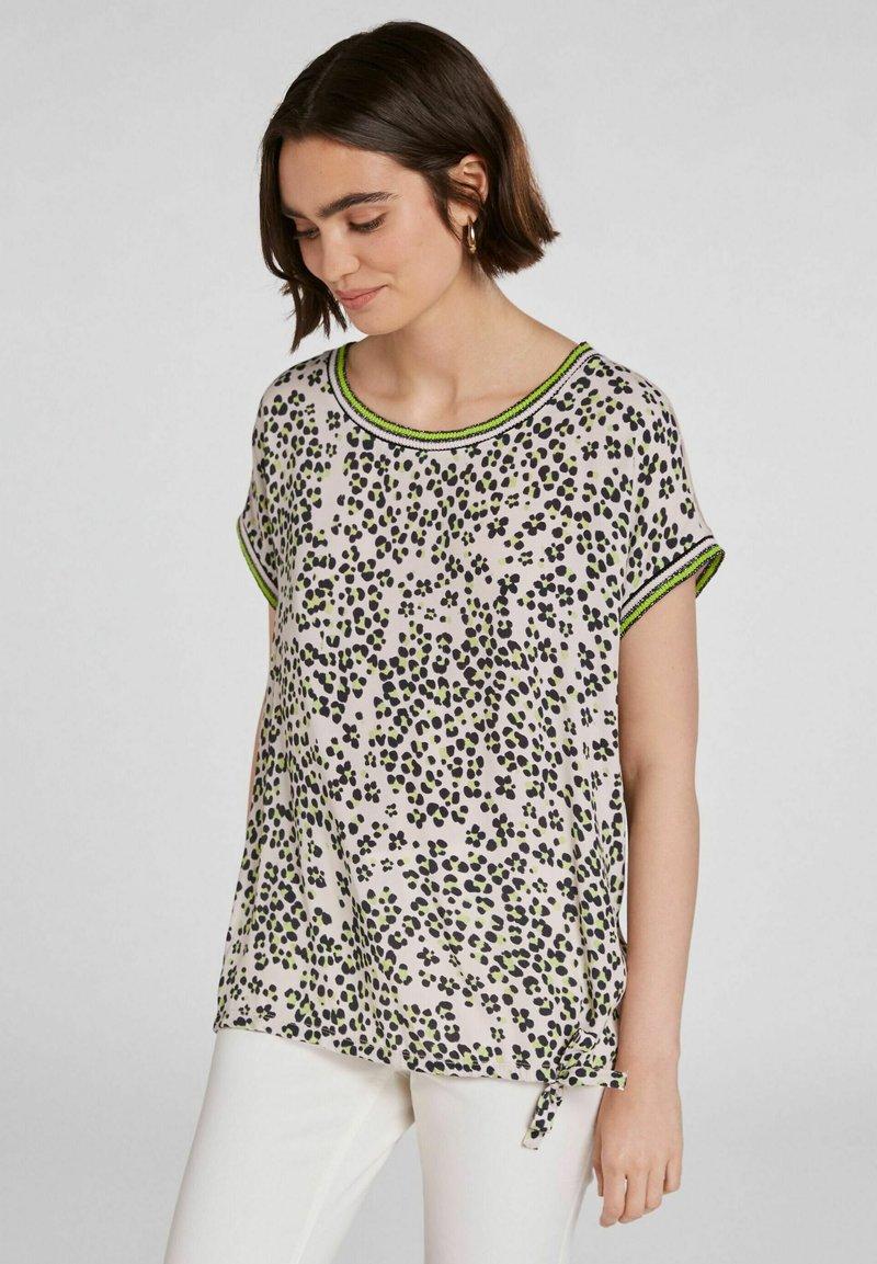 Oui - IM ANGESAGTEM  - Print T-shirt - light grey green