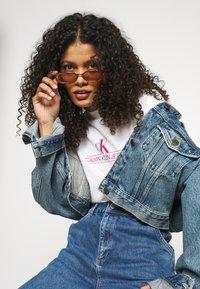 Calvin Klein Jeans - ARCHIVES TEE - Print T-shirt - bright white - 5