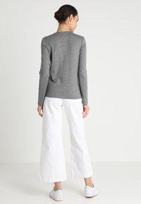 Lacoste - V-NECK - Långärmad tröja - stone chine - 2
