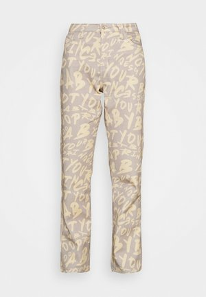BOYFRIEND FIT GRAFFITI PRINT JEAN - Džíny Relaxed Fit - multi