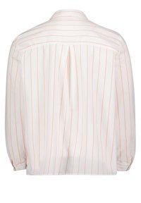 Cartoon - CASUAL - Button-down blouse - weiß/rot - 1