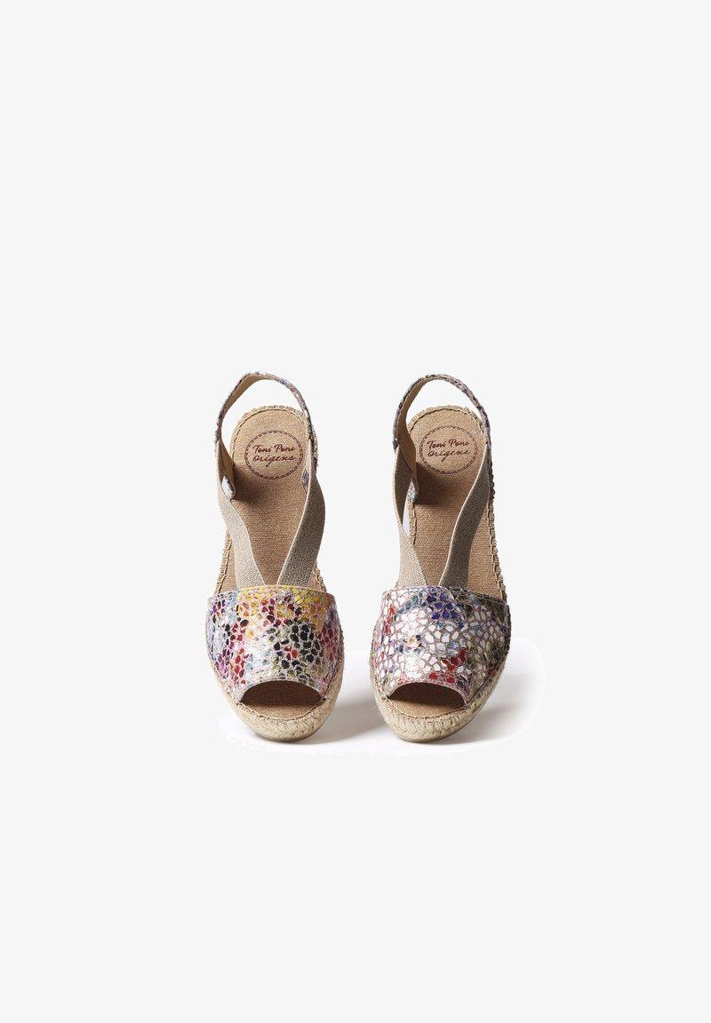 Toni Pons - TEIDE - Wedge sandals - taupe